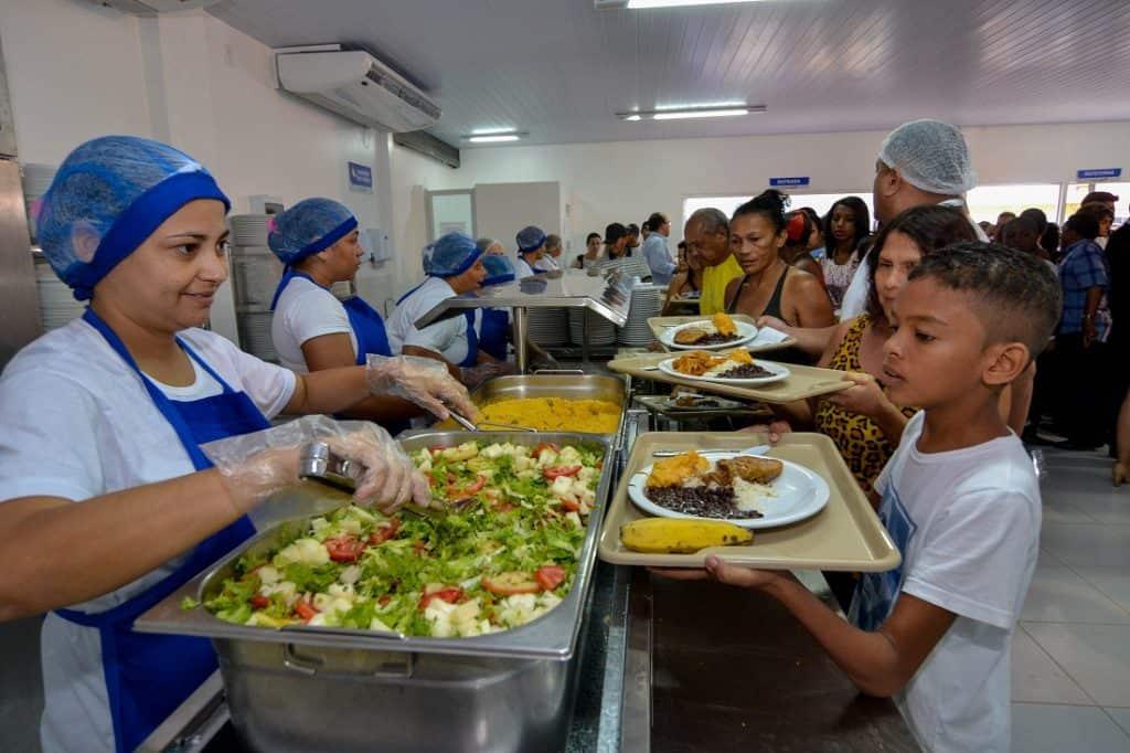 Refeição nos restaurantes populares de Curitiba fica 40% mais cara a partir de hoje