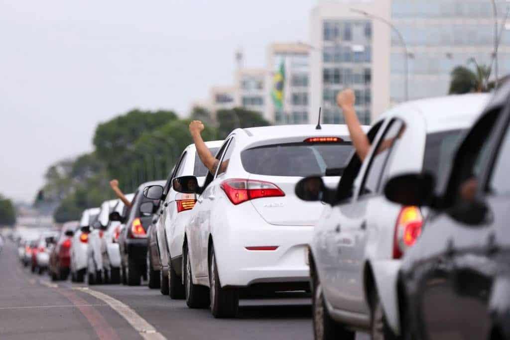 Preços de corrida em SP sobem em dia de paralisação global de motoristas de Uber