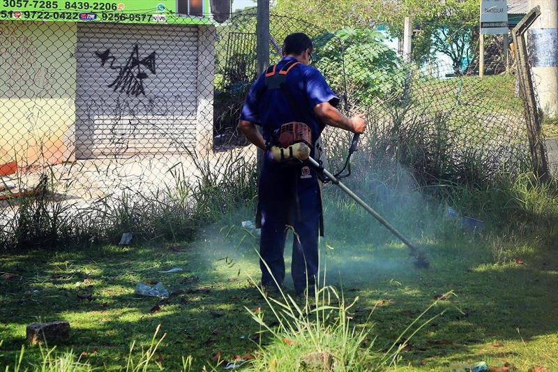 Prefeitura de Curitiba intensifica a fiscalização de terrenos baldios